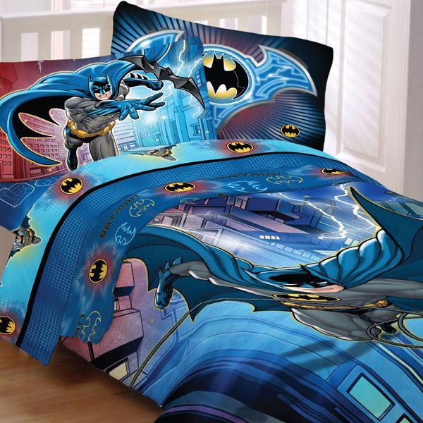 Complete the look of a Batman bedroom with this pair of Batman curtains featuring the Caped Crusader ready to thwart the evil that would disrupt the good people of Gotham City.. This is officially licensed Warner Brothers Batman merchandise and includes two (2) drapery panels made from percent polyester microfiber fabric.