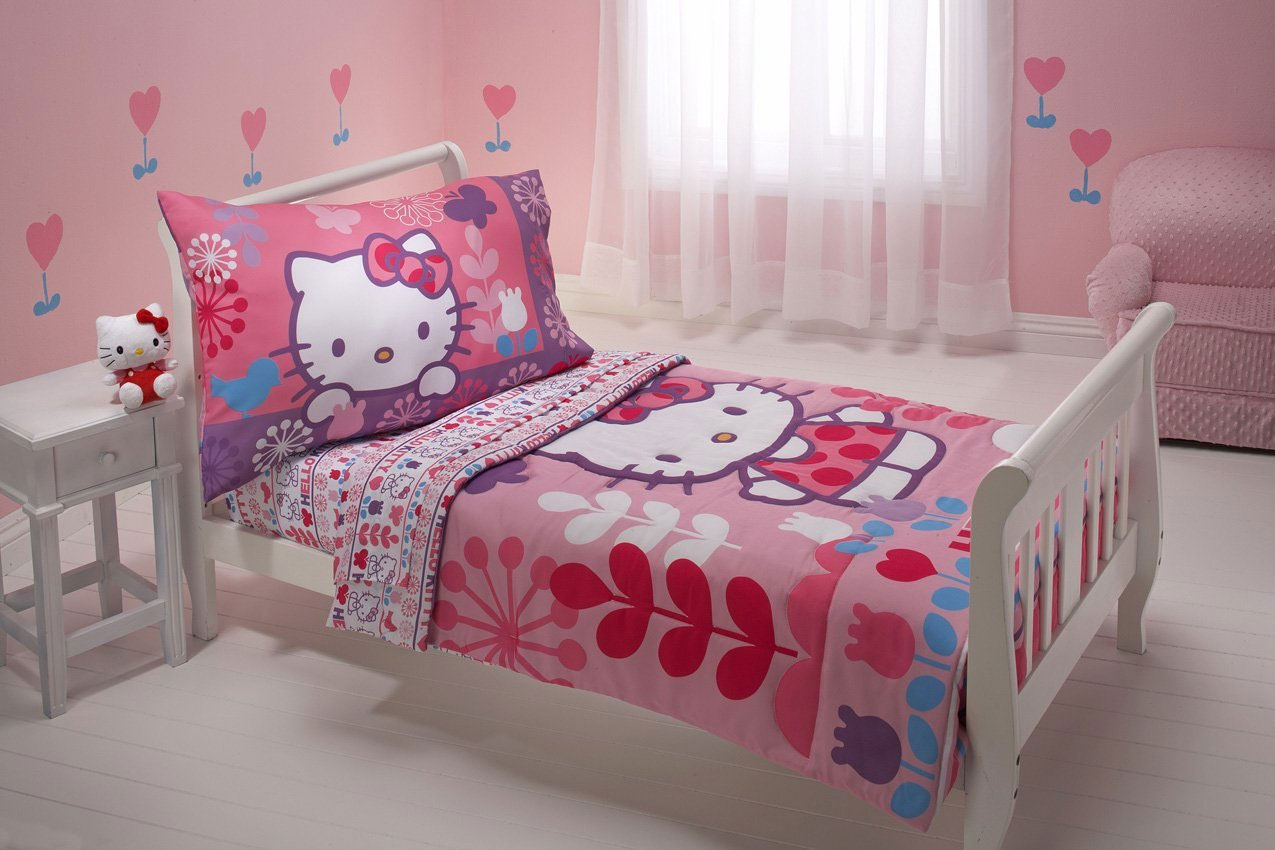 4pc Hello Kitty Toddler Bedding Set