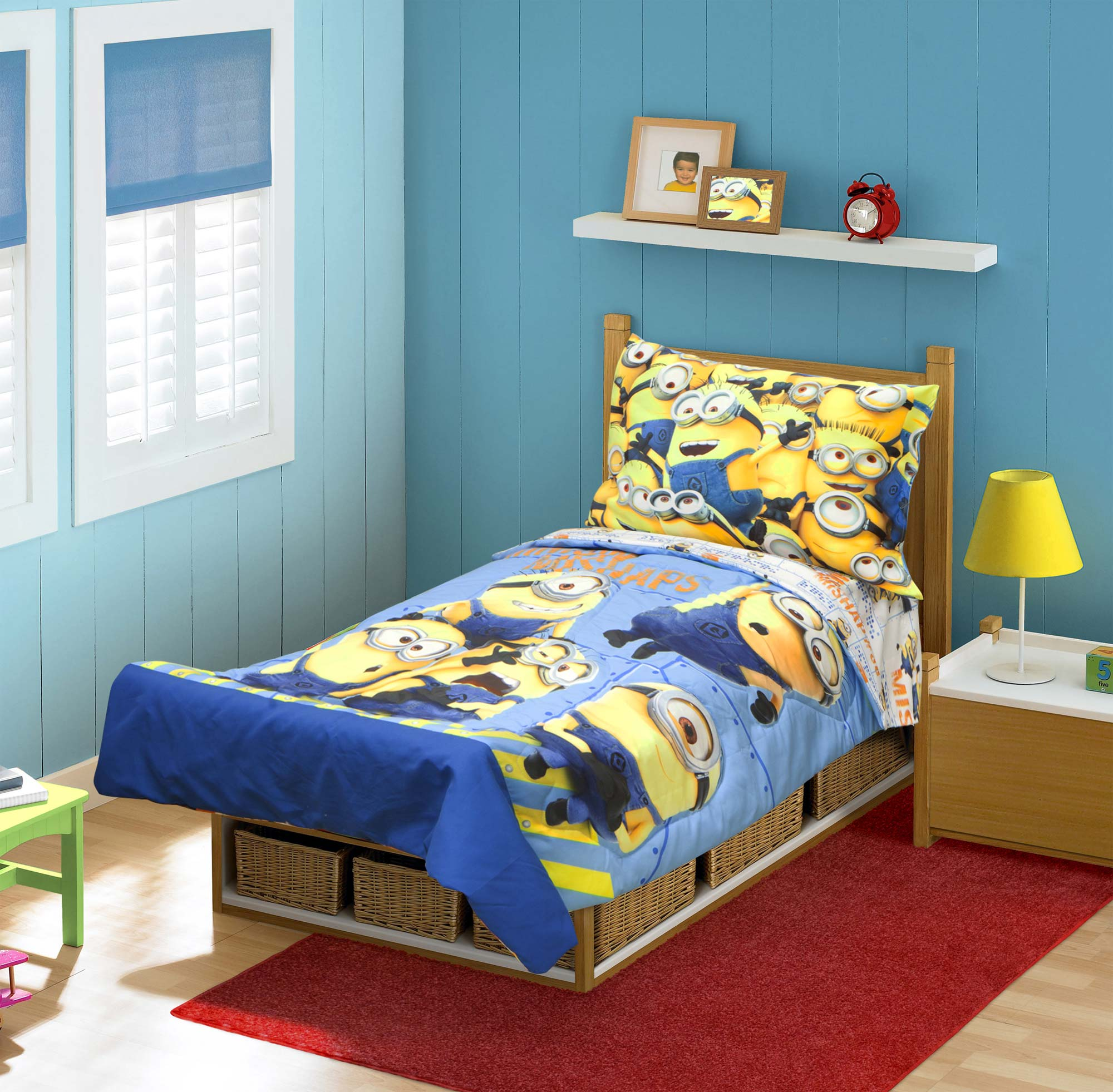 Despicable Me Toddler Bedding Set - 4pc Minions Mishap Comforter And Sheets