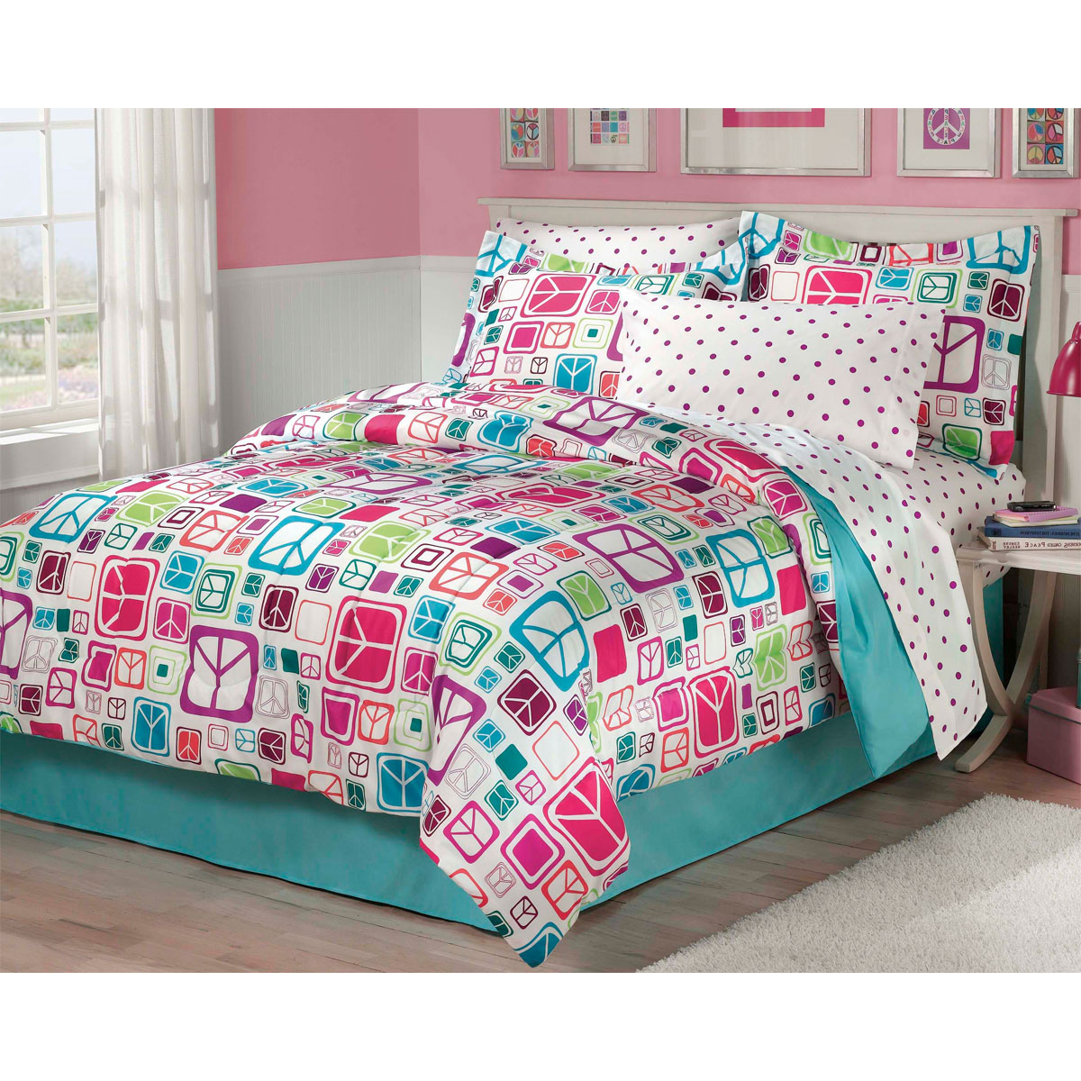 Peace Sign Bedroom Accessories: Peace Signs Bedding Set