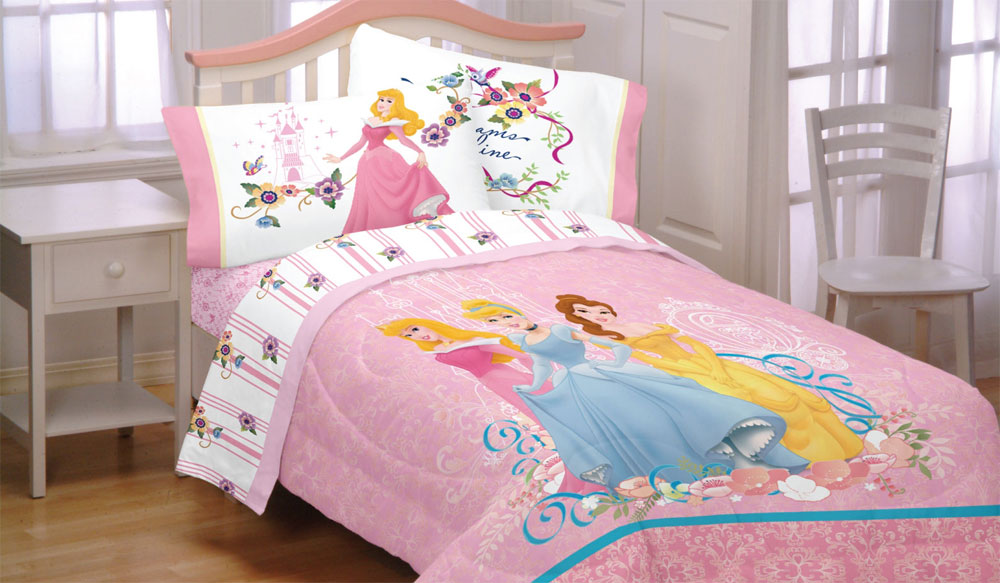 Disney Princesses Full Comforter